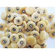 15mm Cream Fashion Buttons- FB104