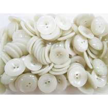 23mm Curved Cream Fashion Button FB195